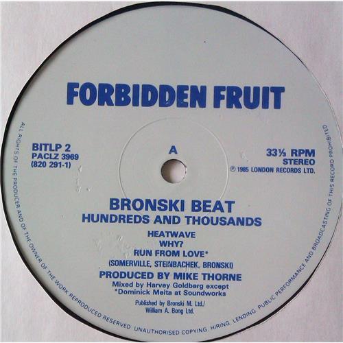 Картинка  Виниловые пластинки  Bronski Beat – Hundreds & Thousands / BITLP 2 в  Vinyl Play магазин LP и CD   04927 2