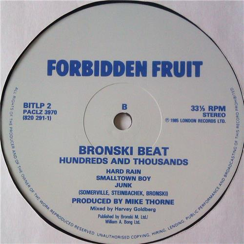 Картинка  Виниловые пластинки  Bronski Beat – Hundreds & Thousands / BITLP 2 в  Vinyl Play магазин LP и CD   04927 3