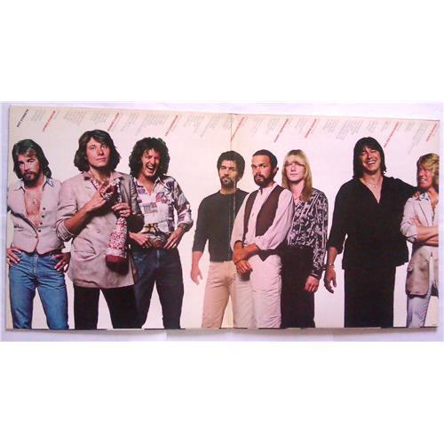 Картинка  Виниловые пластинки  Chicago – Hot Streets / CBS 86069 в  Vinyl Play магазин LP и CD   04777 1