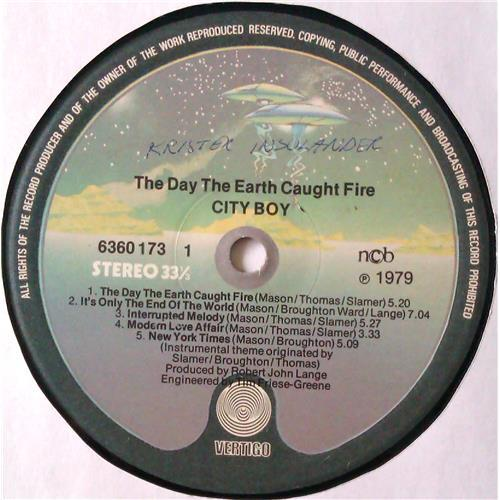 Картинка  Виниловые пластинки  City Boy – The Day The Earth Caught Fire / 6360 173 в  Vinyl Play магазин LP и CD   04748 4
