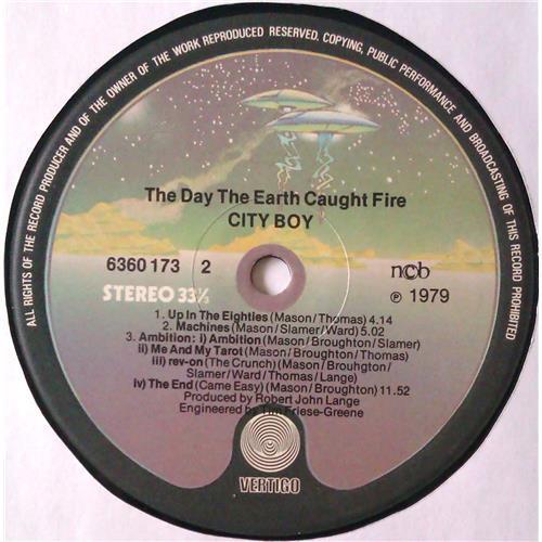 Картинка  Виниловые пластинки  City Boy – The Day The Earth Caught Fire / 6360 173 в  Vinyl Play магазин LP и CD   04748 5