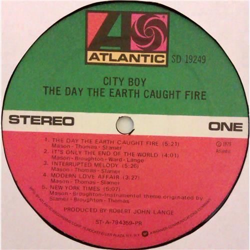 Картинка  Виниловые пластинки  City Boy – The Day The Earth Caught Fire / SD 19249 в  Vinyl Play магазин LP и CD   04774 4