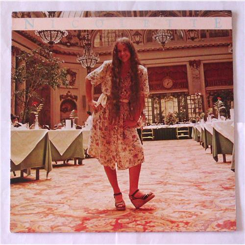 Виниловые пластинки  Nicolette Larson – Nicolette / BSK 3243 в Vinyl Play магазин LP и CD  06977