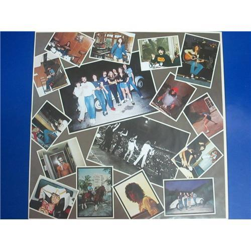 Картинка  Виниловые пластинки  Saga – Worlds Apart / 2374179 в  Vinyl Play магазин LP и CD   03375 2