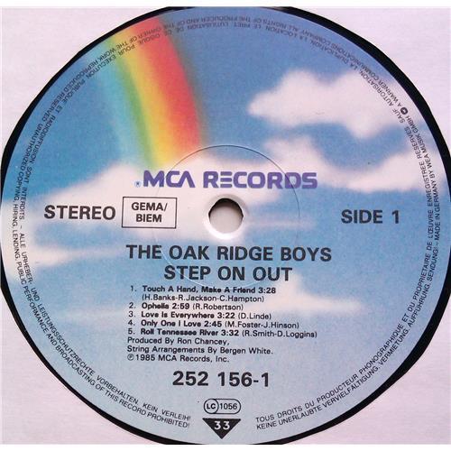 Картинка  Виниловые пластинки  The Oak Ridge Boys – Step On Out / 252 156-1 в  Vinyl Play магазин LP и CD   06526 4