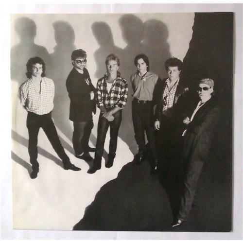 Картинка  Виниловые пластинки  Toto – Isolation / CBS 86305 в  Vinyl Play магазин LP и CD   04386 2